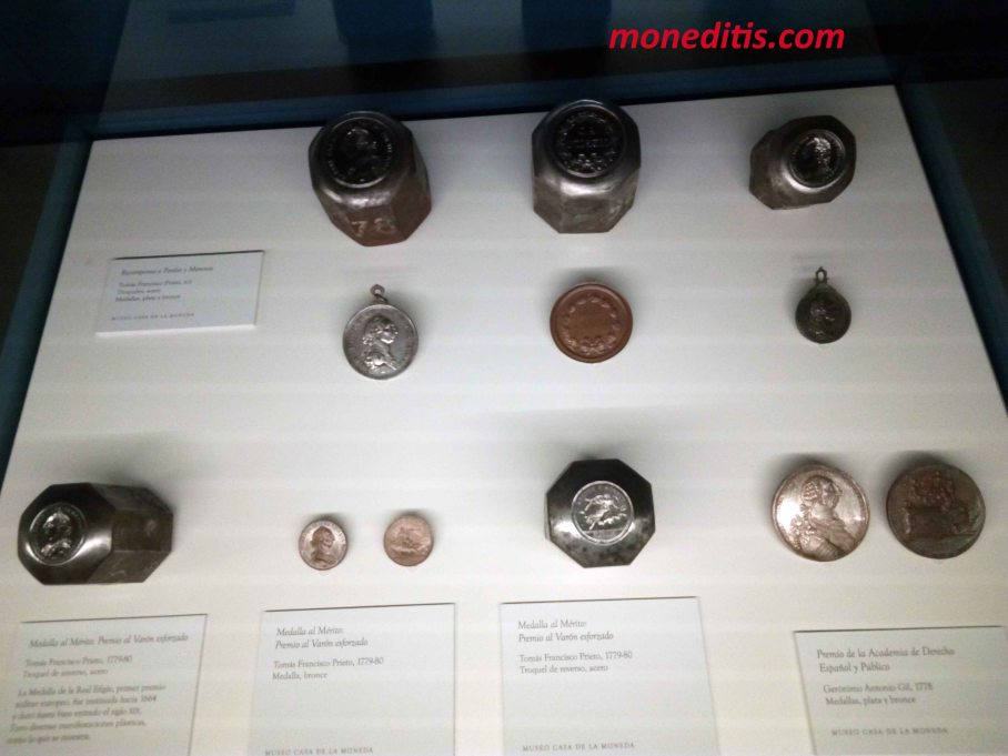 Orden de Carlos III en el Museo de la Casa de la Moneda de Madrid 3